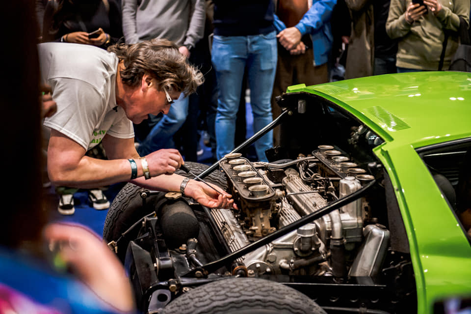 Iain tuning the Miura V12 live at #LCCS2019.